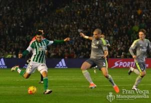 Remate de Petros (Betis-Madrid 15/16)