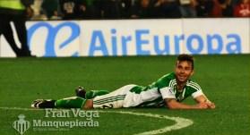 Ruben Castro se lamenta por la ultima ocasion (Betis-Madrid 15/16)
