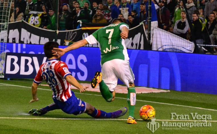 Entrada a Joaquín (Betis-Sporting 15/16)