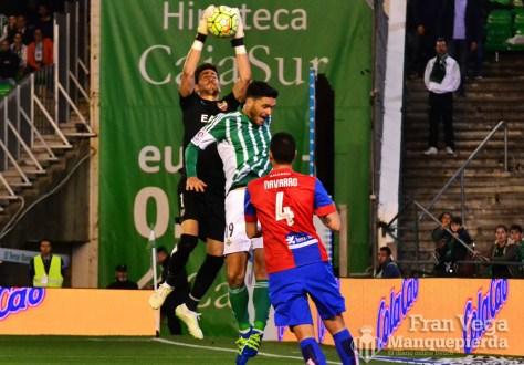 Molina no llega al balón (Betis-Levante 15/16)