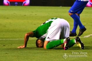 Pezzella se retiro del campo (Betis-Málaga 16/17)