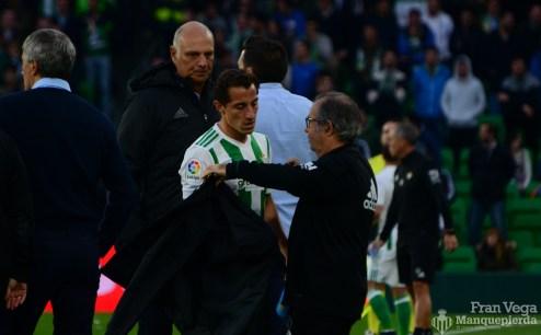 Guardado sale lesionado(Betis-Atletico 17-18)