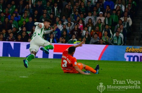 Sanabria prueba suerte (Betis-Malaga 17-18)