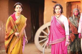 Madhuri-Dixit-and-Juhi-Chawla-in-Gulaab-Gang-Photos