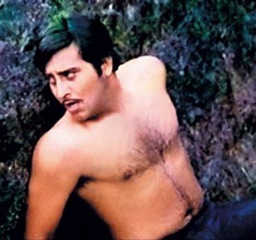 Gulzar's Achanak starring Vinod Khanna