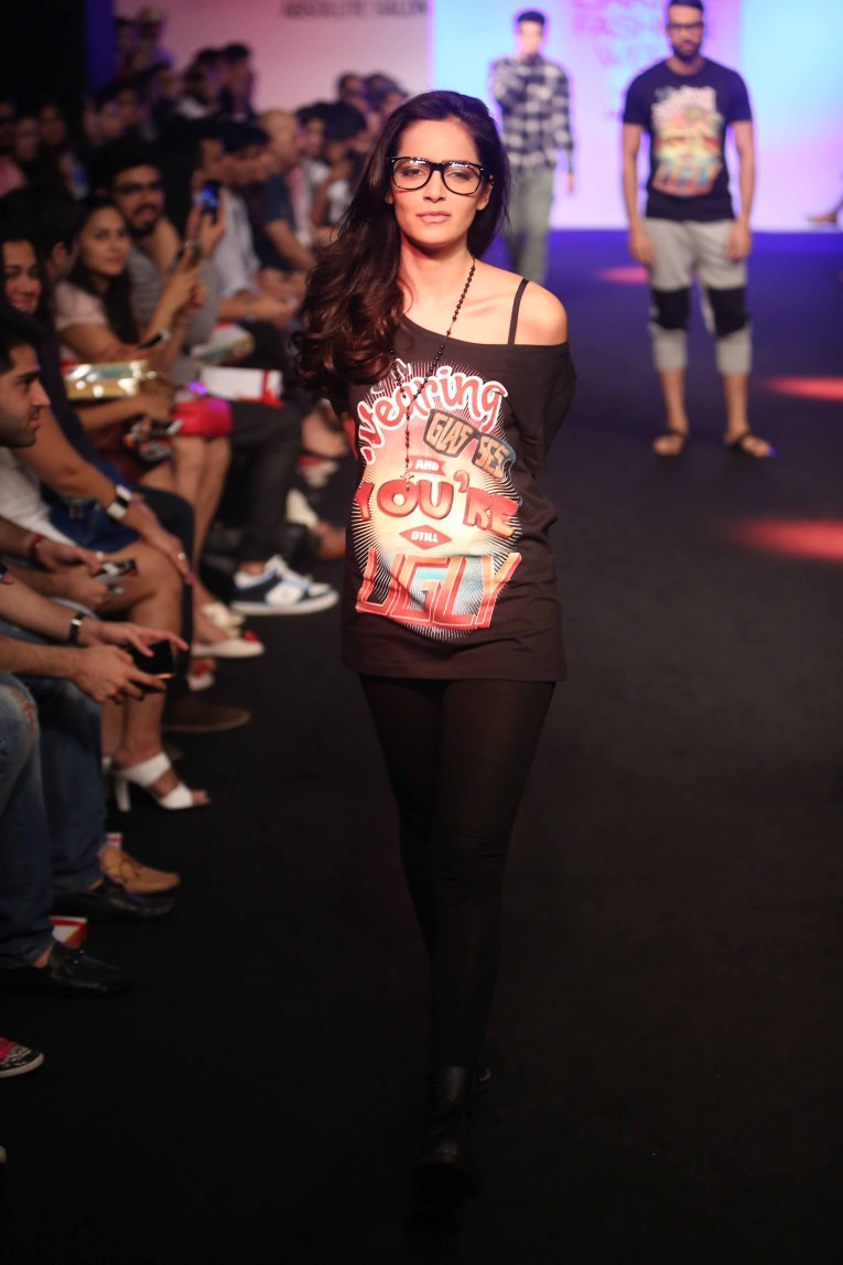 Shazahn Padamsee for Vir Das at LFW WF 15