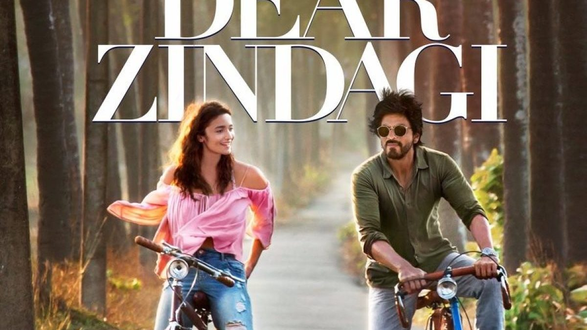 Here Are The Reasons Why You Should Watch Dear Zindagi Right Now