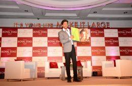 royal-stag-mega-music-presents-srks-biography-by-samar-khan2