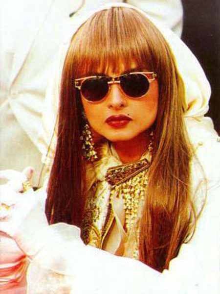 90s-bollywood-weird-fashion-mwindia-8
