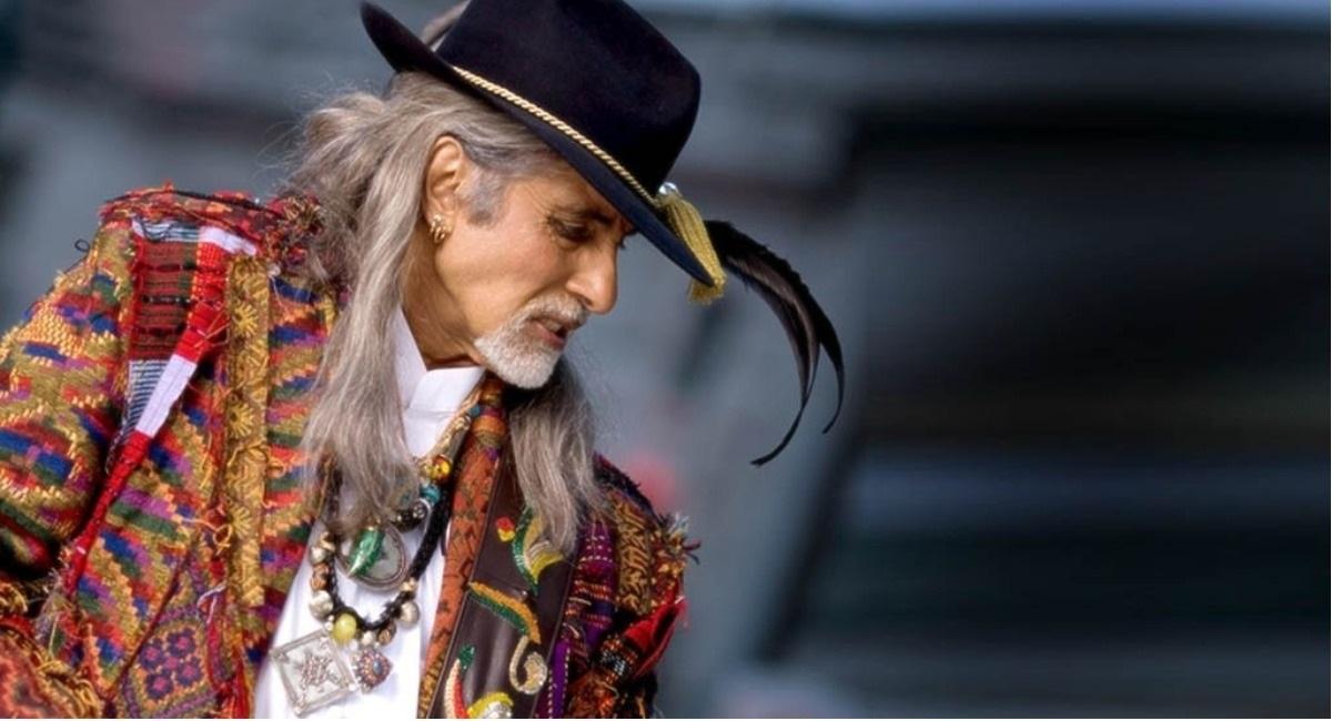 India's Most Loved Baritone: A Lookback At Amitabh Bachchan's Cameos