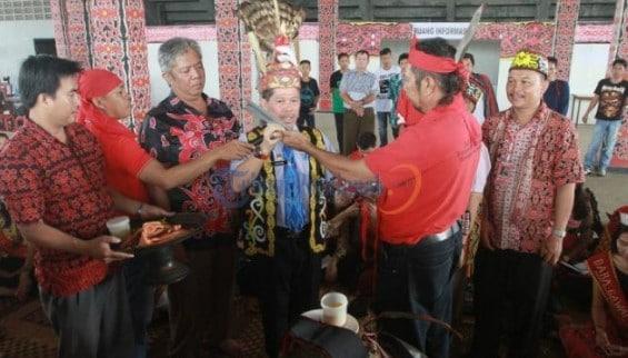 Tradisi-Adat-Ngampar-Bide
