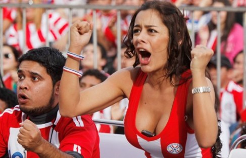 sexy-boobs-worldcup-cheer-500x322