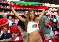 world-cup-hotties-36_portuguese-530x377