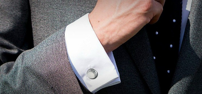 style tips for men - show your shirt cuffs