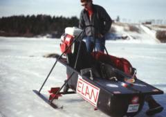 I motorisert badekar på isen