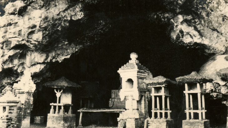 Goa-Lawah-Temple-aka-Bat-Temple-in-a-cave-filled-with-bats