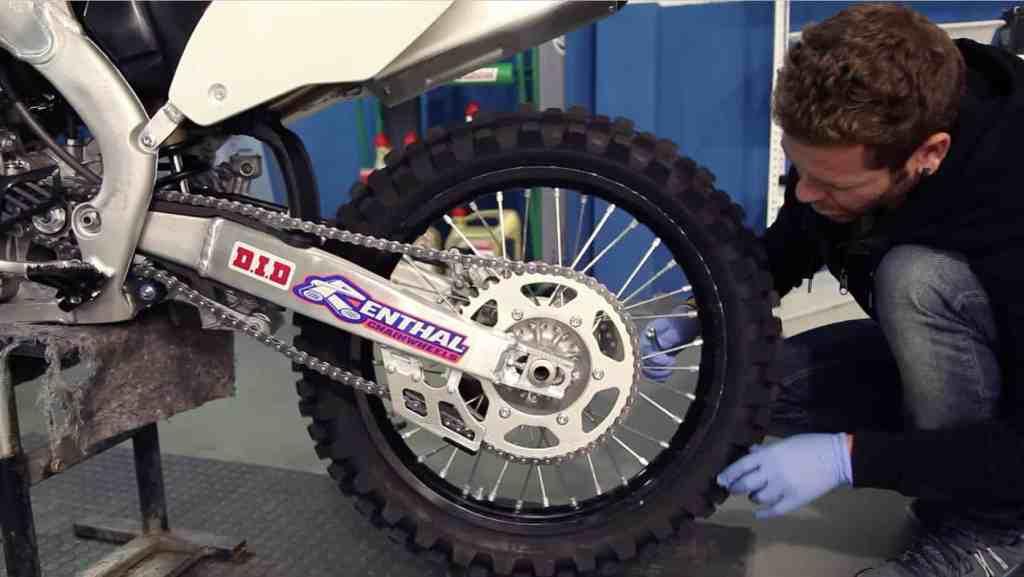 Manual Moto Kawasaki ZZR 1100 Reparación Cambio de Llantas Neumaticos