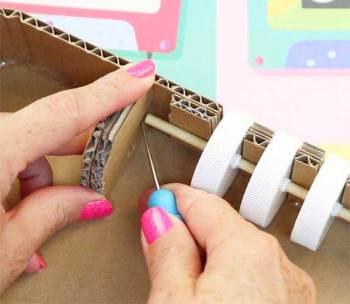 caja fuerte hecha con carton