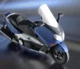 Papercraft recortable de la motocicleta Yamaha TMAX 2002. Manualidades a Raudales.