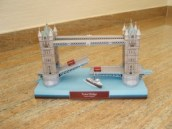 Papercraft building del Puente de Londres. Manualidades a Raudales.