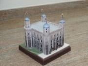Papercraft building de la Torre de Londres. Manualidades a Raudales.
