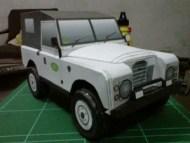 Papercraft imprimible y armable de un Land Rover serie III. Manualidades a Raudales.