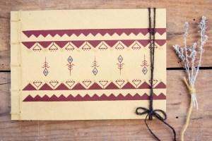 Manuche, QuadernoSpighe, ricamo su carta