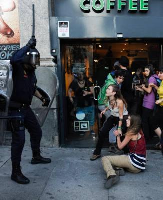 Foto del #15M de Pedro Armestre para AFP Photo publicada en RTVE.es