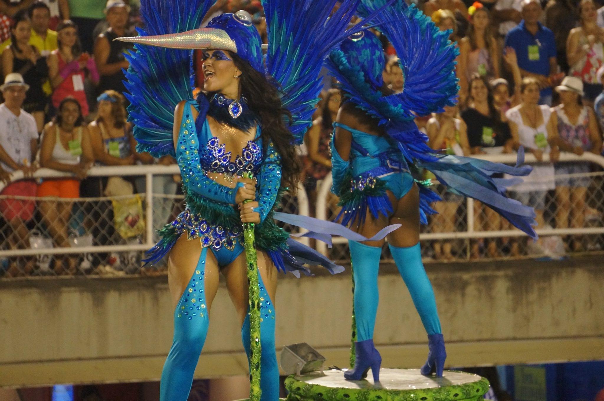 sambadrome parade dancers