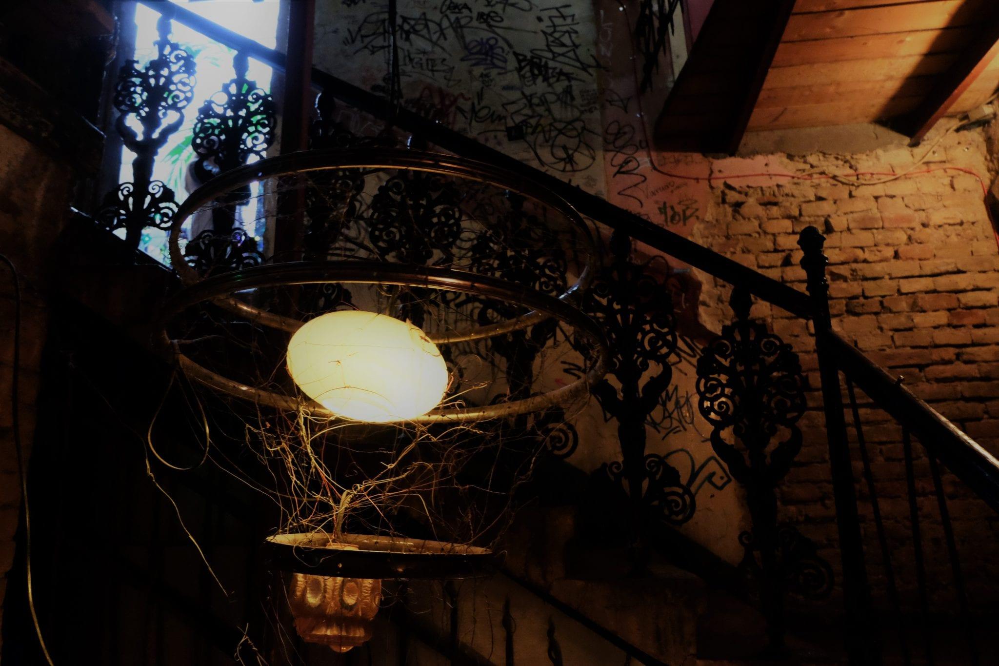 Szimpla pub lighting