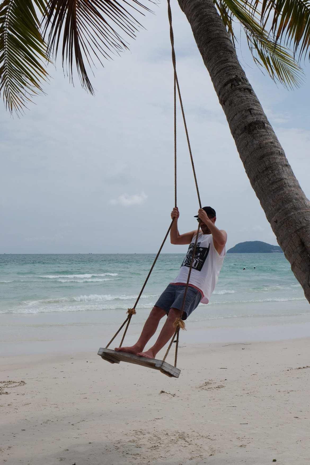 swing phu quoc sao beach