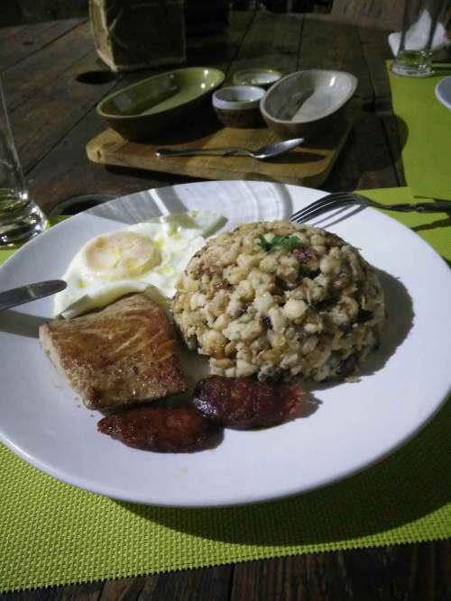 La cachupa du restaurant La Pergola à Mindelo.