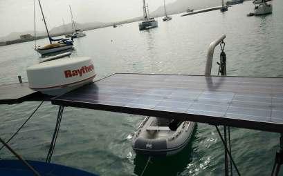 Panneaux solaires sur le portique de Manwë