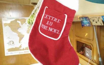 Chaussette de Noël pour décorer Manwë pendant les fêtes.