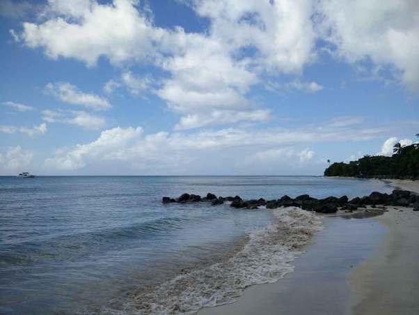 La plage de Crown Point, à l'ouest de Tobago.