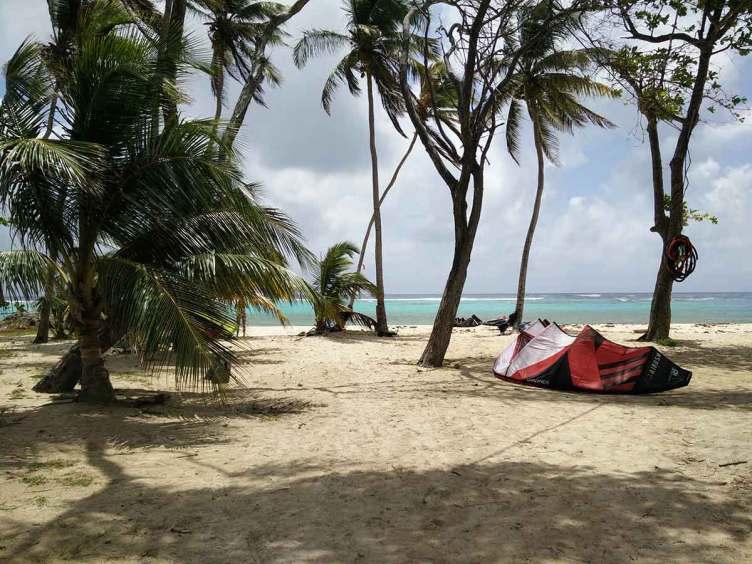Plage de La Feuillère sur l'île de Marie-Galante.