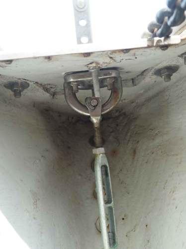Fixation du ridoir sur la cadène pour la reprise d'effort de la trinquette.
