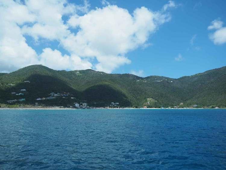 Le baie calme de Cane Garden, à l'ouest de l'île de Tortola, aux BVI.