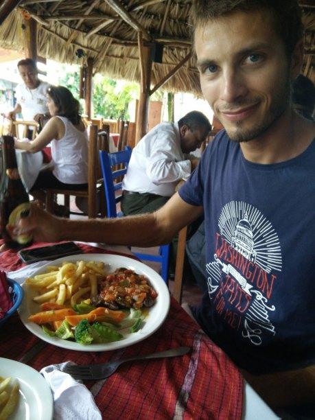 Restaurant de midi à Livingston, au Guatemala.