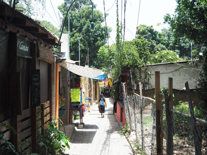 Petite rue de San Marcos La Laguna, sur le lac Atitlán.