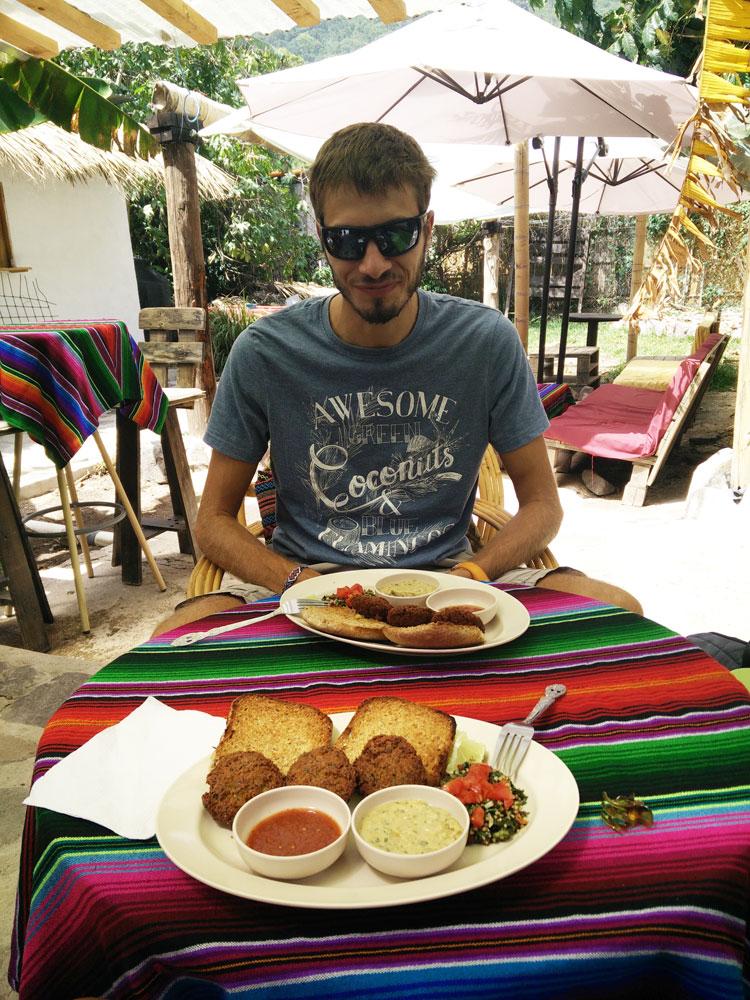 Restaurant végétarien à San Marcos La Laguna, sur le lac Atitlán, au Guatemala.