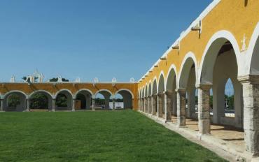 Le couvent de Saint Antoine de Padoue à Izamal au Mexique.
