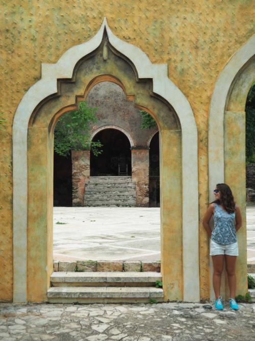 Dans les jardins d'une hacienda mexicaine.