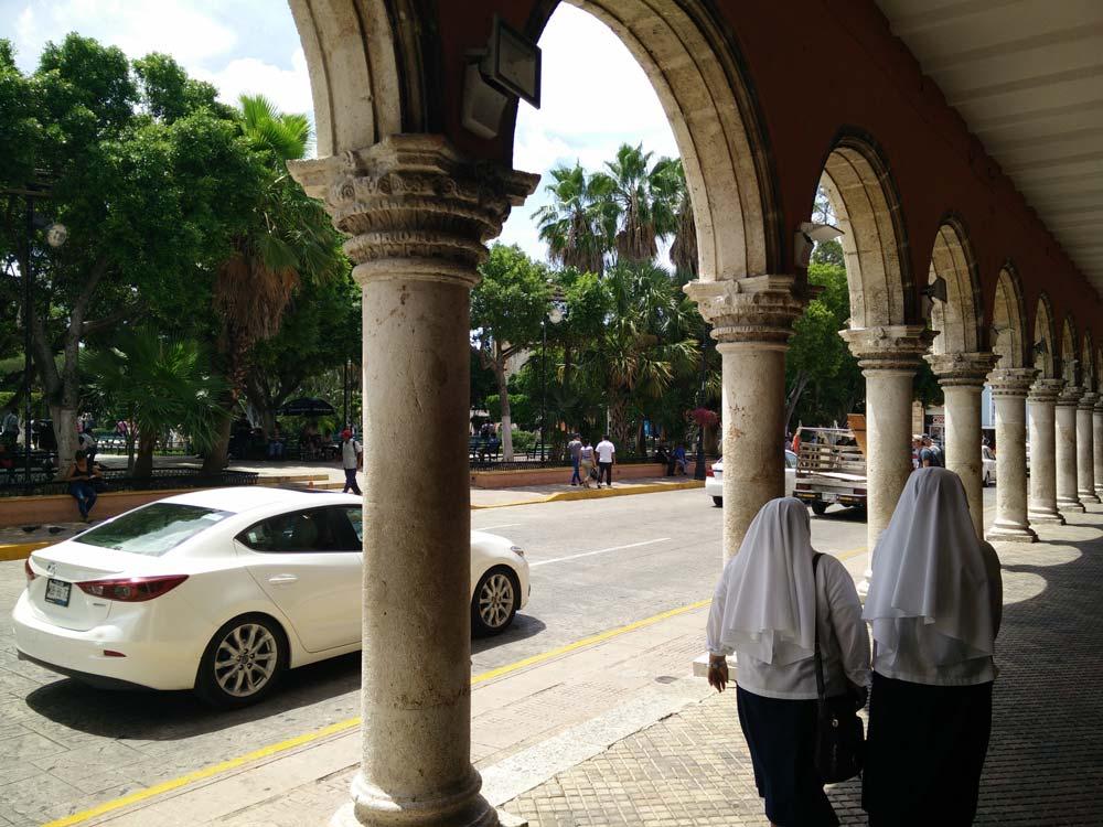 Près de la place principale de Mérida.