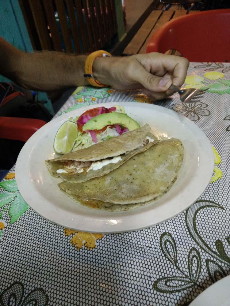 Quesadilla mangée à Palenque au Mexique.