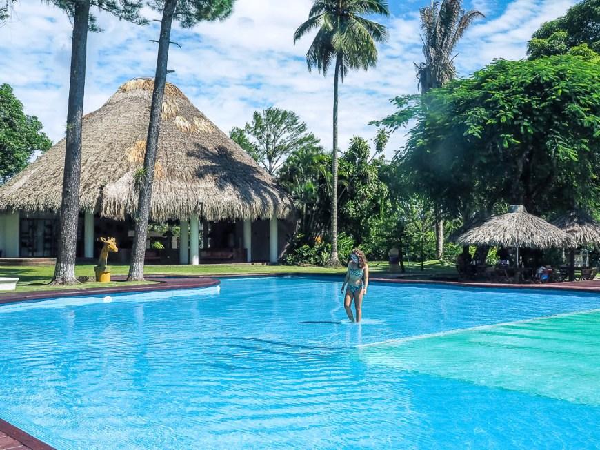 Magnifique piscine sur le Rio Dulce, dans la amrina Nana Juana.