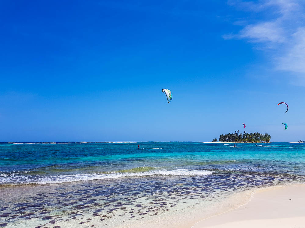 Kitesurf aux San Blas au Panama.