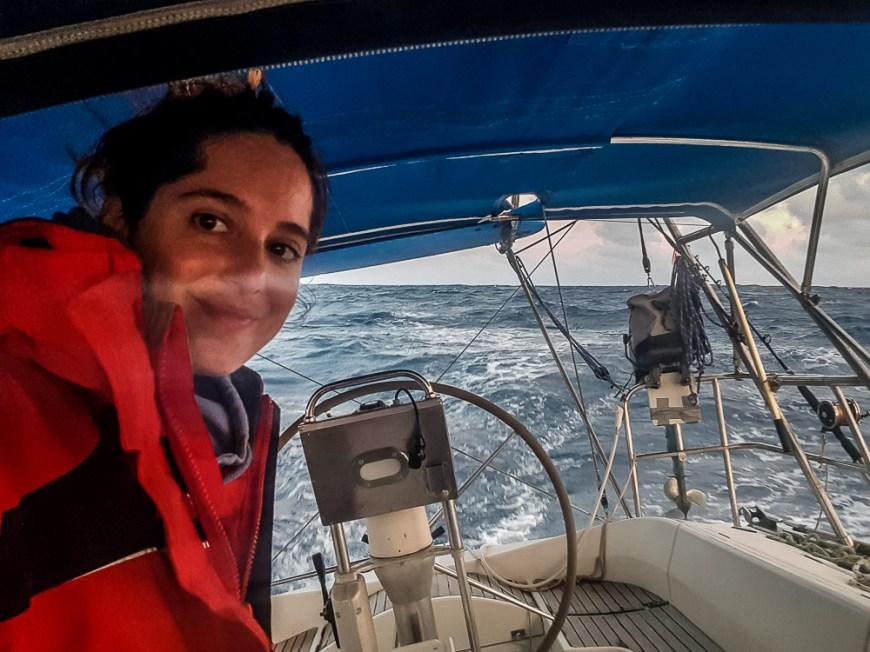 Préparation du quart de la nuit pour Anaïs pendant notre traversée du Pacifique.