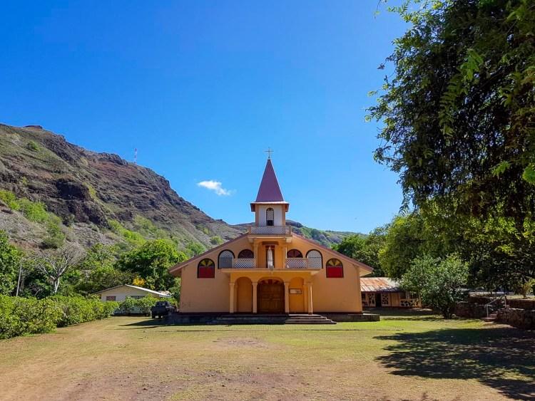 La jolie église de Vaipee sur Ua Huka aux Marquises.