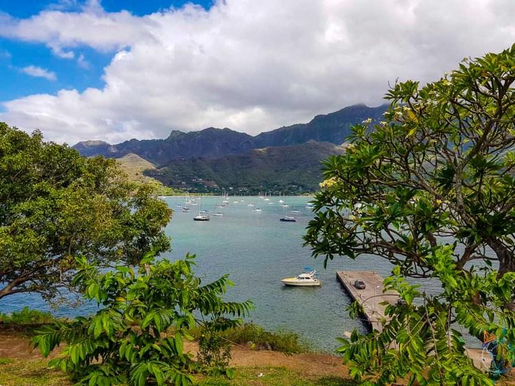 Baie de Taiohae sur l'île de Nuku Hiva aux Marquises.